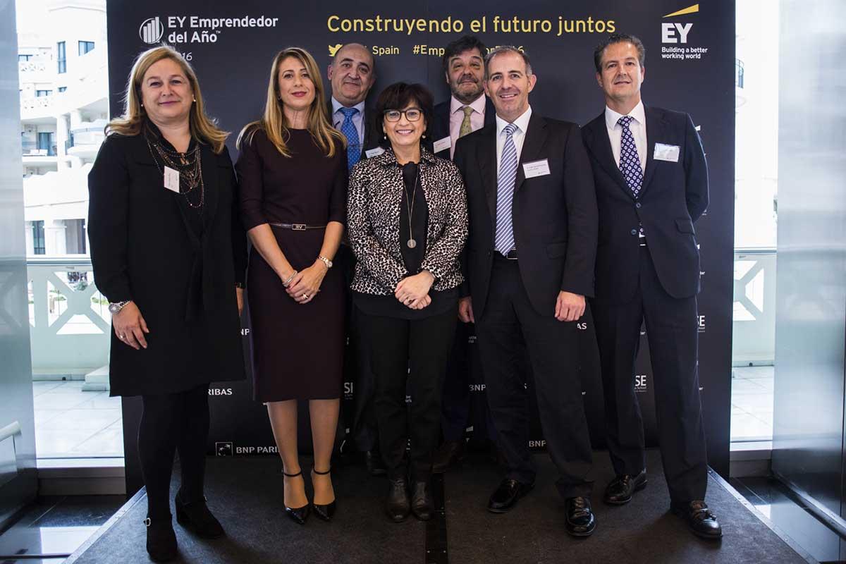 EY - Amparo Ruiz, Isabel Sánchez, Blanca Marín, Fidel García-Guzmán y Antonio Soler, César Beltrán y José Luis Ruiz Expósito