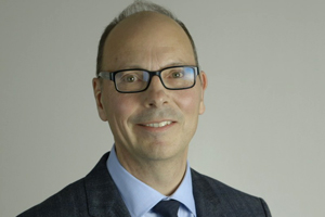 EY - Dr. Richard Steeves