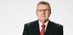 EY - Robert Kelly, Steadfast