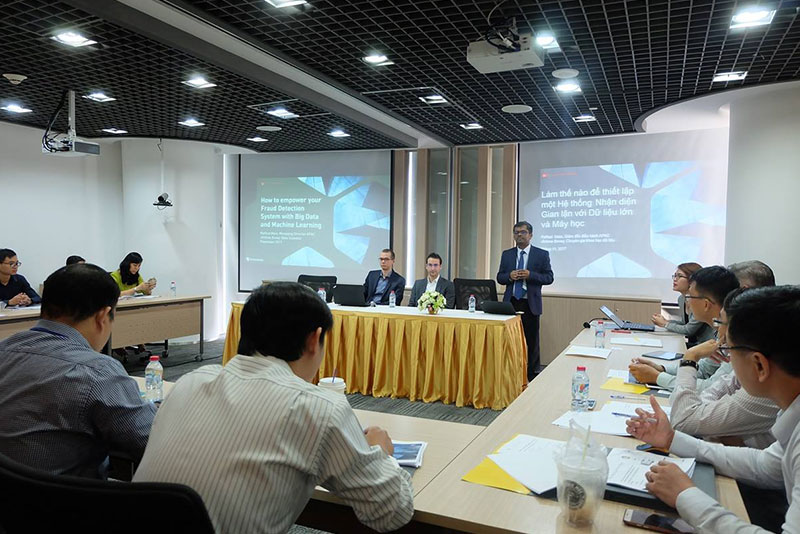"""EY - Seminar """"How to empower your Fraud Detection system with new technologies such as Big Data and Machine Learning"""""""